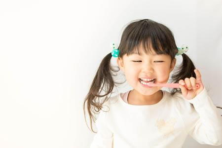 歯ブラシは何歳から?
